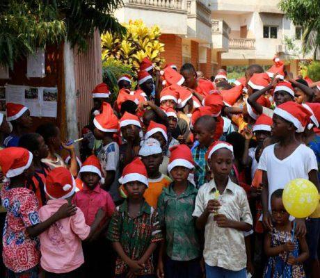 Carrefour Jeunesse Bénin : une marche de Noël dans les rues de Comé